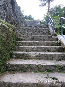 Guning Kawi - Escaliers 5