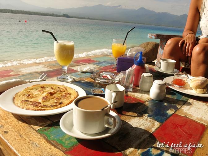 Îles Gili - Gili Air - Breakfast on the beach