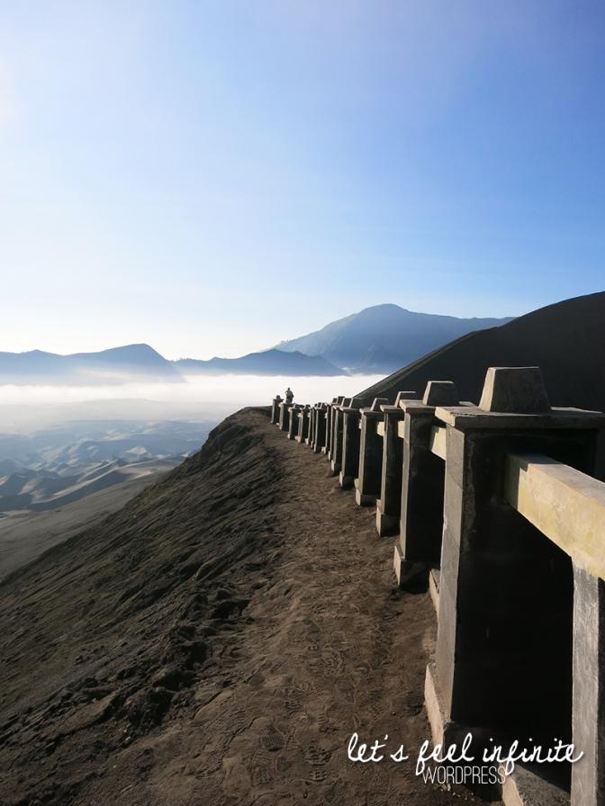 Vue depuis le cratère du Mont Bromo