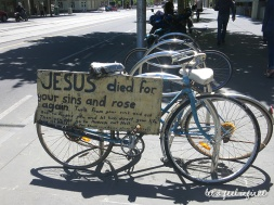 Melbourne - Jesus died for your sins and rose again bycicle