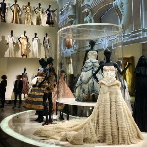 Robes de l'exposition Christian Dior Couturier du rêve