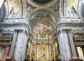 Intérieur de l'église Sant'Ignazio di Loyola