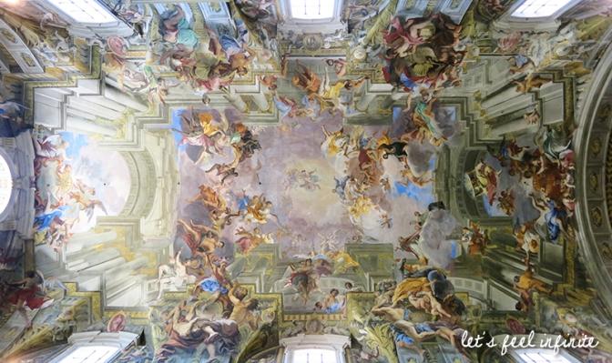 Détail de la voûte en trompe l'oeil de l'église Sant'Ignazio di Loyola